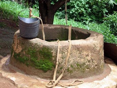 well-w-bucket