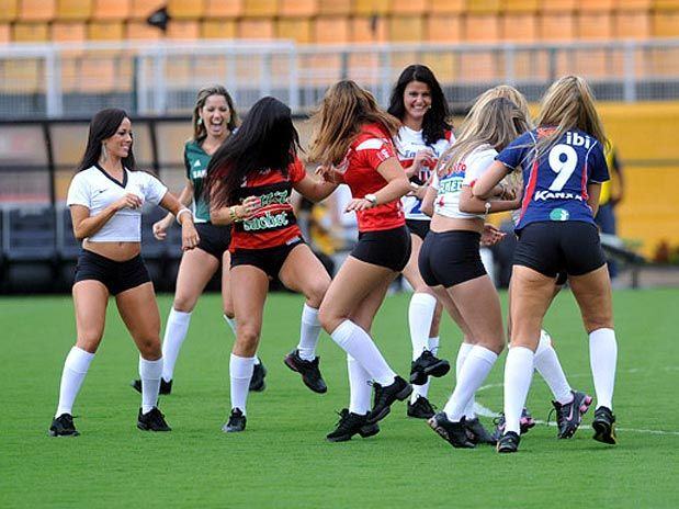 09a3790fa0c36 Bom oque vocÊ acha sobre mulheres jogarem futebol deixe nos comentÁrios atÉ  beijosss jpg 619x464 Nua
