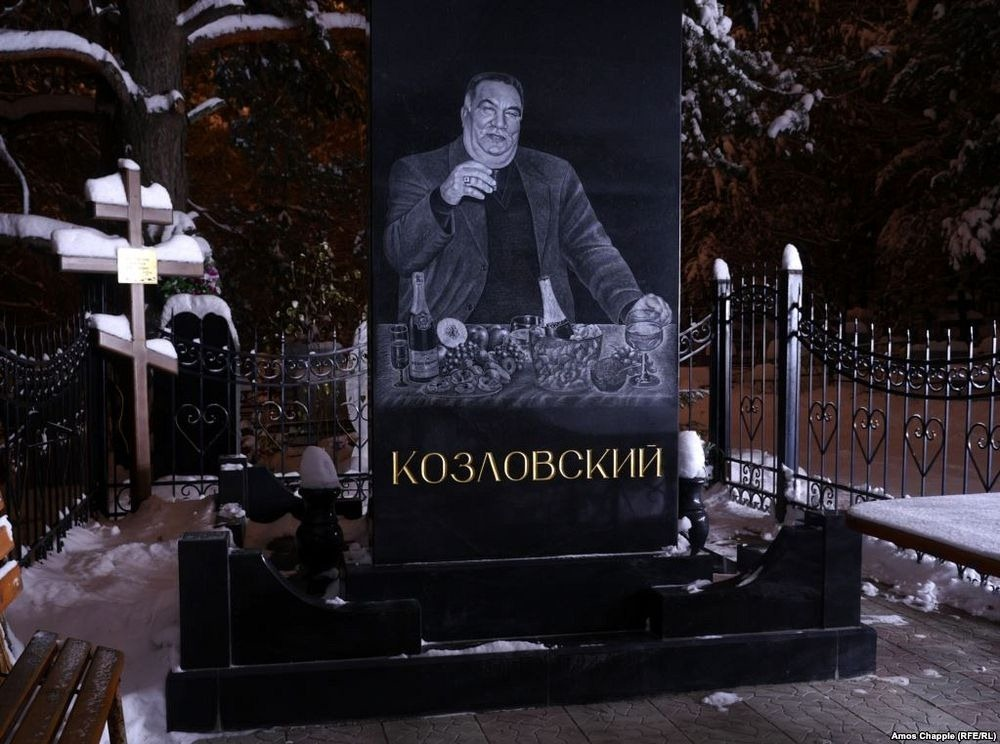 gangster-cemetery-yekaterinburg-14