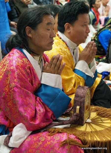 Tibetan Audience with HH Dalai Lama/HH Sakya Trizins Teaching in Portland, OR. - 04-cc%2BP5120289%2BC72.JPG