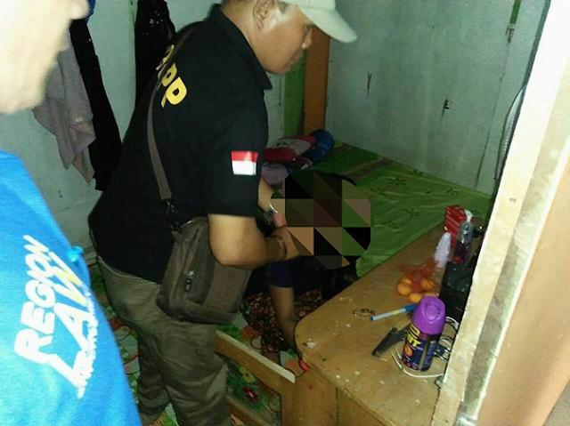 Pekerja Seks Komersial (PSK) ini benar-benar nekat. Meski lokalisasi Pembatuan sudah resmi ditutup Pemko Banjarbaru, masih saja ada PSK yang nekat melayani tamu.