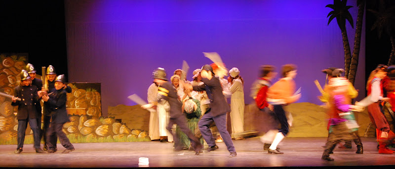 2012PiratesofPenzance - DSC_5926.JPG