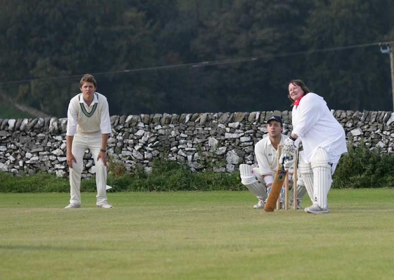Cricket-Ladies32