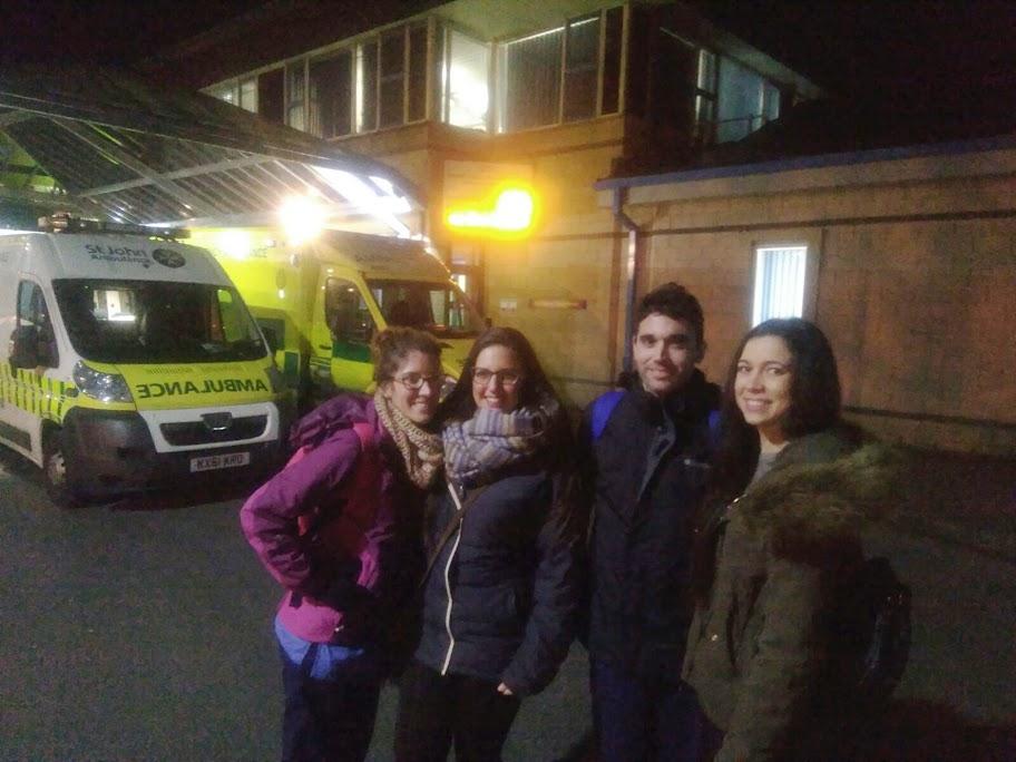 Enfermeros españoles en el Hospital de Lancaster, 13 febrero 2016. De izquierda a derecha: Lucía Badillo, Raquel Zurita, Pedro Parejón y Azahara Geraldo. El grupo lleva un año en Inglaterra