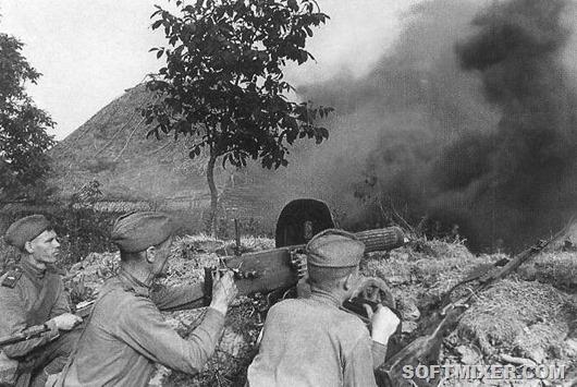 Kursk_Soviet_machineguns