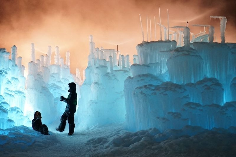ice-castles-brent-christensen-16