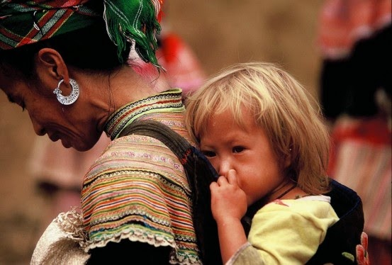 Cultural Identity In Post-Modern Society: Reflections What is a Hmong?
