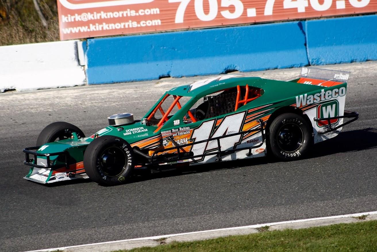 Modified midget racing chassis met