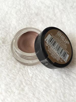 Maybelline's colour tattoo eye shadow in 'Creamy beige'