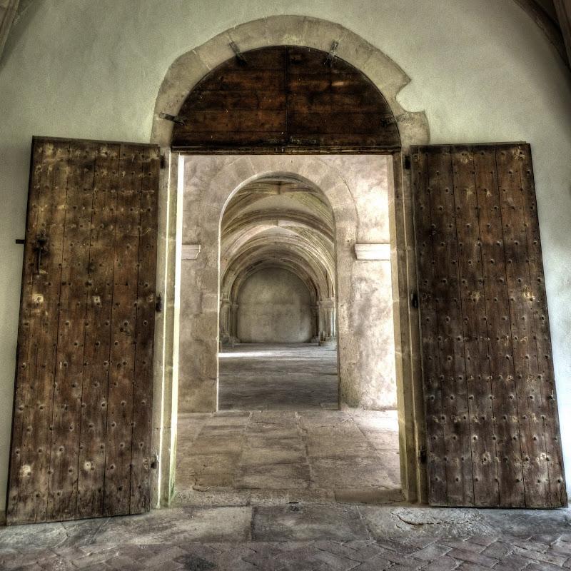 Abbaye de Fontenay P1110243_4_5_HDR-001