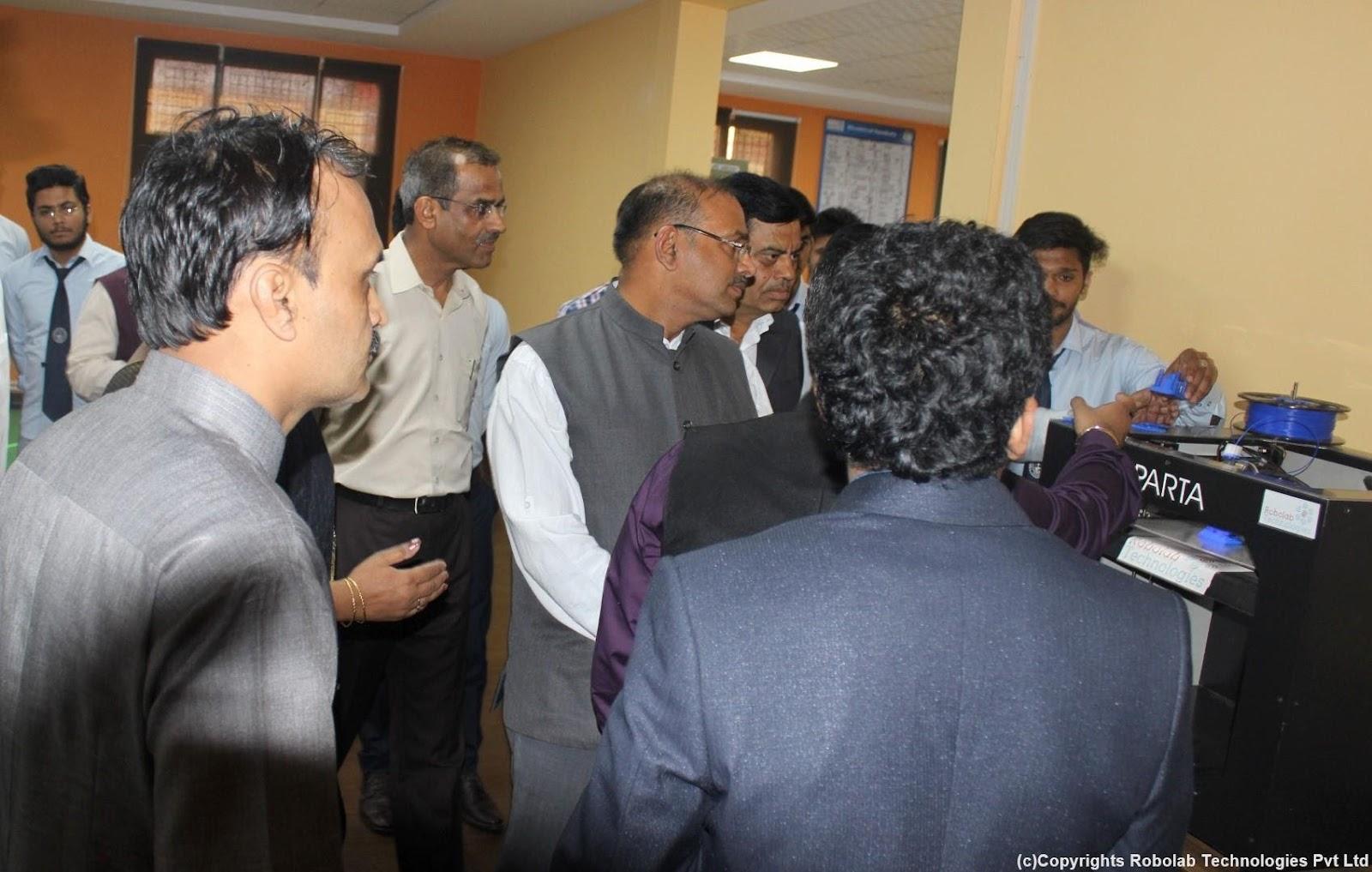 SunderDeep Group of Institutions, Ghaziabad Robolab (6).jpg