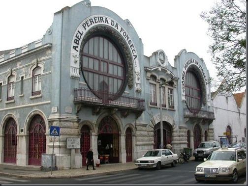"""Edifício da antiga """"Abel Pereira da Fonseca"""" na Praça David Leandro da  Silva, actualmente efc2180923"""
