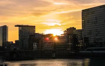 Sunset over MedienHafen