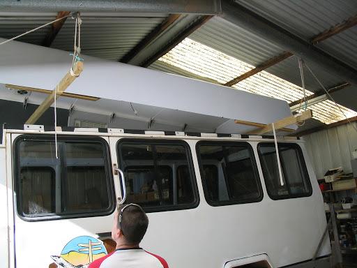 Fittingtheroof2009-2008-08-25-16-20.jpg