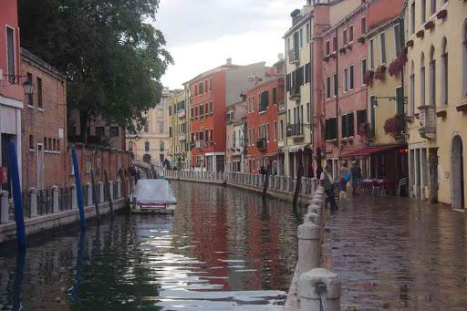 Retour à Venise par temps d'orage.