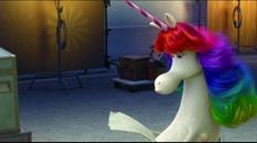 24 la licorne arc-en-ciel