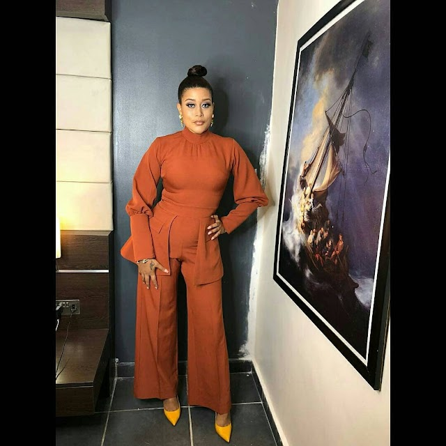 Beautiful Looks of Actress Adunni Ade in her Gorgeous Jumpsuit