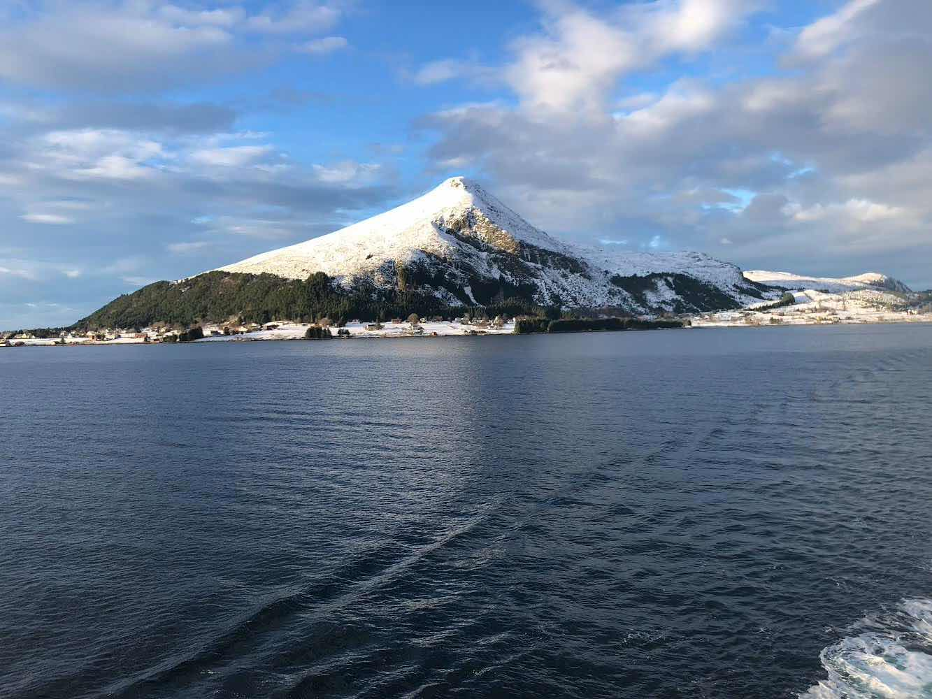 Travelling up the Norwegian coast on Viking Sky (Source: Palmia Observatory)