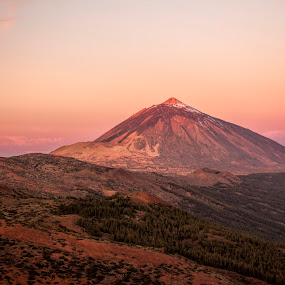 Dawn on Mount Teide by Peter Louer - Landscapes Mountains & Hills ( mountains, dawn, canary islands, tenerife, sunrise, , #GARYFONGDRAMATICLIGHT, #WTFBOBDAVIS )