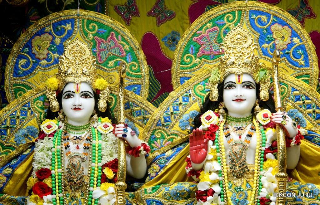 ISKCON Juhu Sringar Deity Darshan on 26th June 2016 (30)