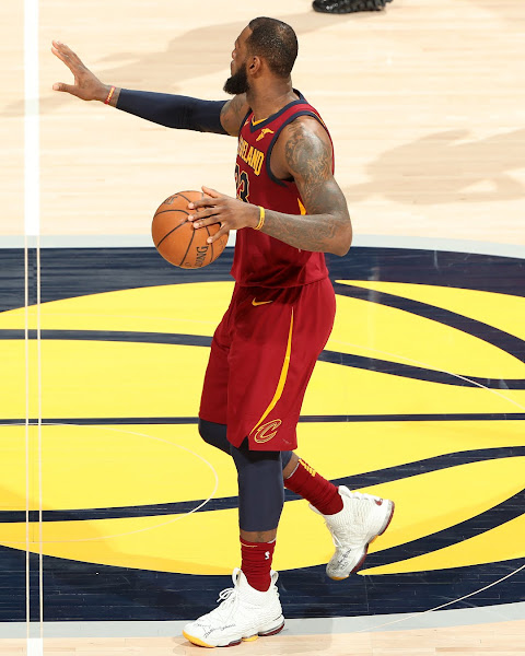 LBJ Debuts Multicolored Pods LeBron 15 Cavs PE in Crucial Game 4 Win