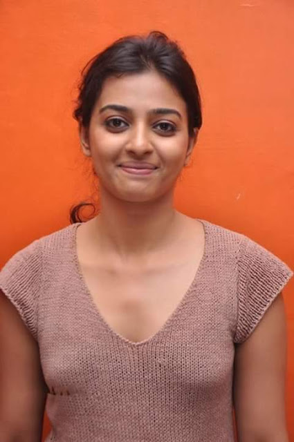 Item Girls Sexy Images Rathika Apte Selfie Mms Pics-4869