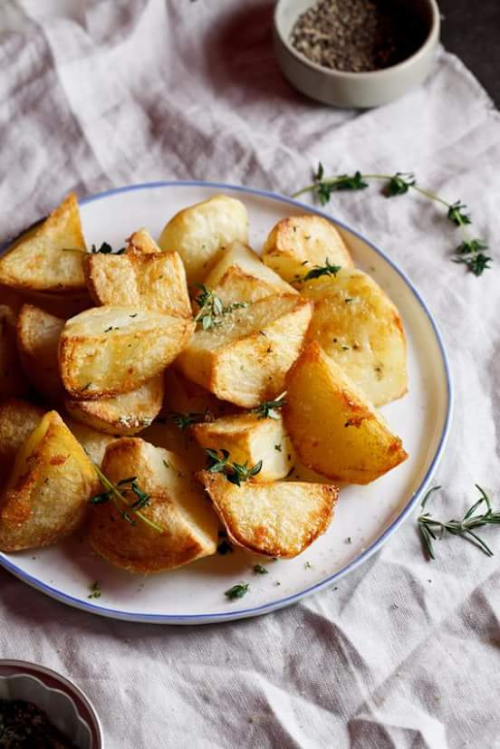 Roasted potatoes with herb salt
