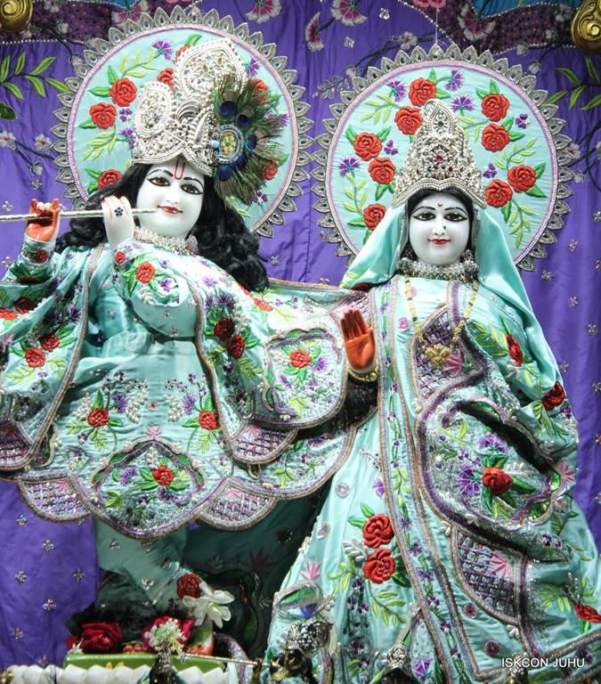 ISKCON Juhu Mangla Deity Darshan 17 Dec 2015 (18)