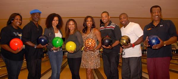 KiKi Shepards 7th Annual Celebrity Bowling Challenge - Kiki%2BShepard%2BCeleb%2BBowlers_CBC%2B2010_2.jpg