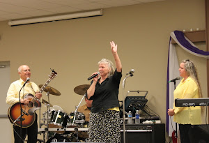 Momma Templet testifying at Victory Assembly in Portland, TN