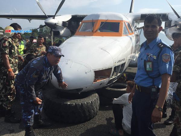 गोमा एयरको विमान पोखराको धावनमार्गमा दुर्घटना (फोटो फिचर+भिडियो)