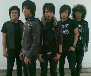 sejarah band d masiv