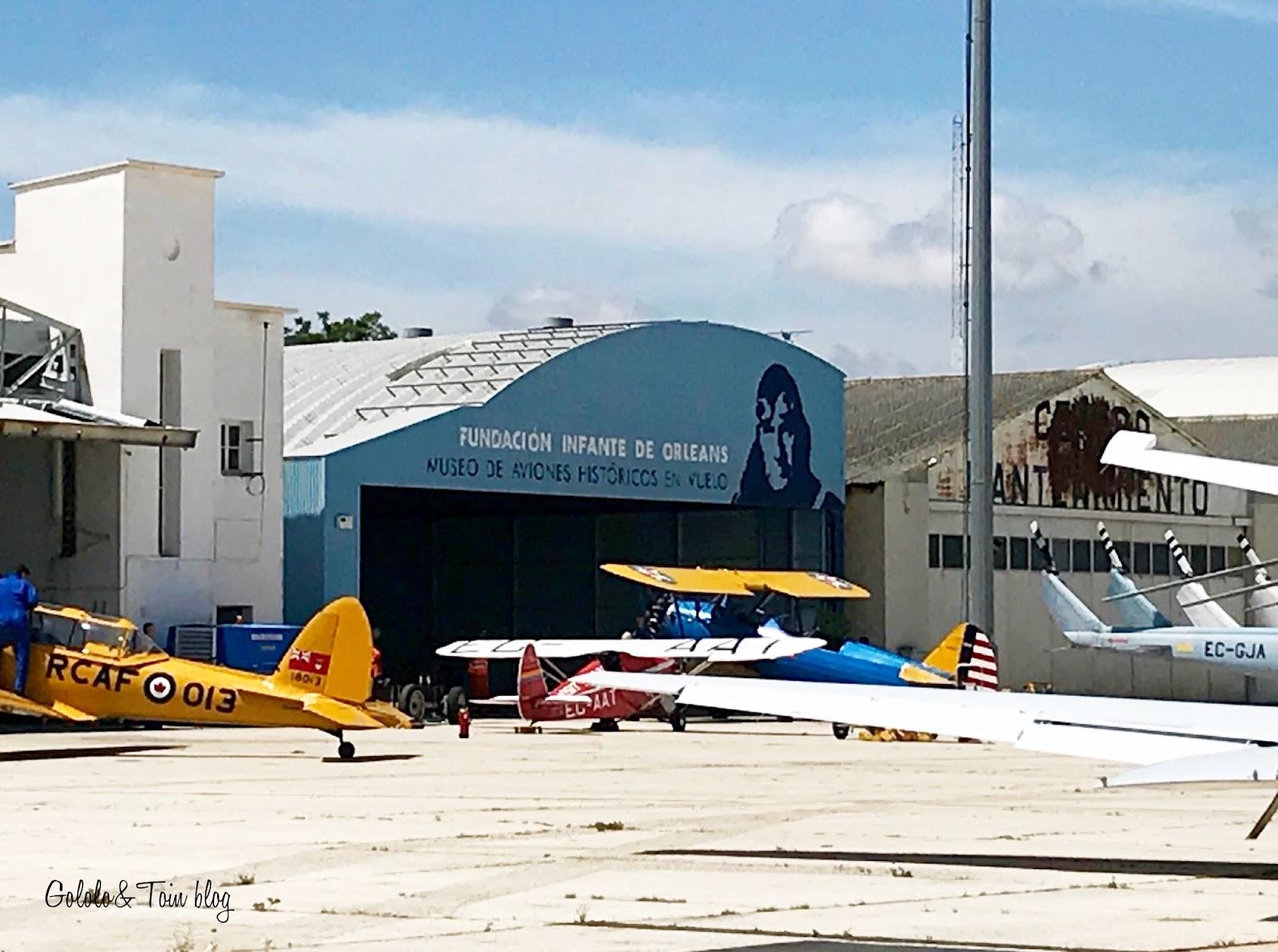 Aeropuerto de Cuatro vientos aviones históricos en vuelo