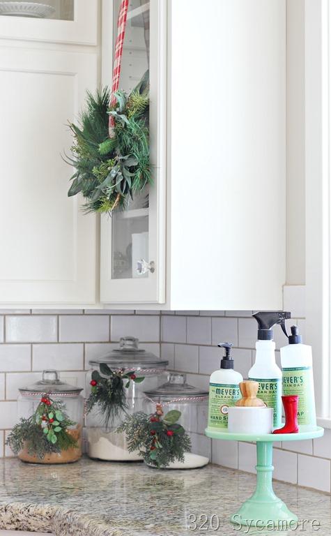 [christmas-kitchen-wreath2]