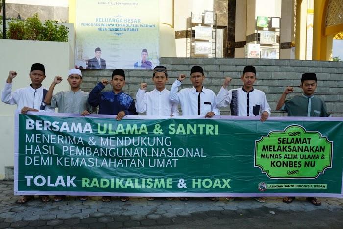 Di Arena Munas NU, Jaringan Santri Indonesia Tengah Kampanyekan Tolak Radikalisme dan Lawan Hoax