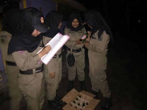 3 Wanita dan 1 Pria Kedapatan Jual Miras dalam Operasi Pekat di Palabuhanratu - Sukabumi