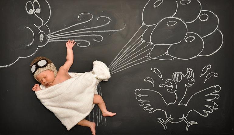 *嬰兒的奇幻黑板冒險:趁熟睡中惡搞一番! 2