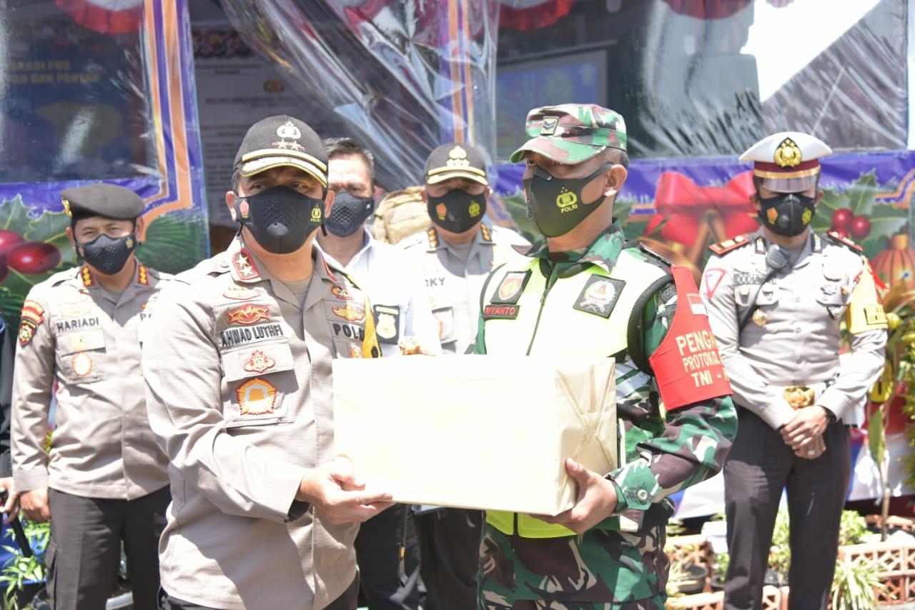 Jelang Tahun Baru 2021Kapolda Jateng Tinjau Daerah Perbatasan Cepu- Jawa Timur