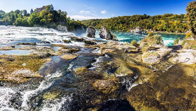 Vista panorámica de las cataratas del Rin