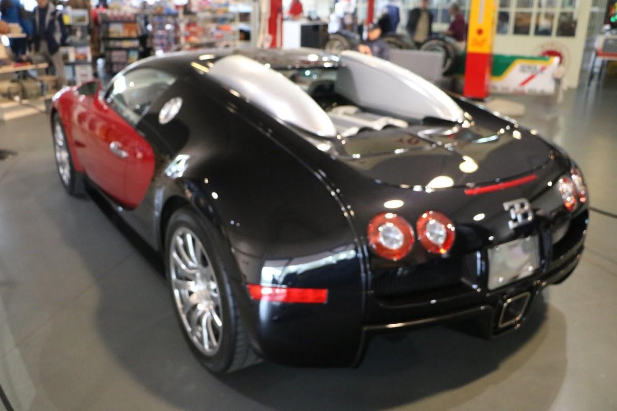 Jaguar_National_Rally_2018-04-14_0017 - Bugatti-Veyron.JPG
