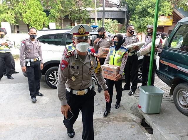 Jelang Lebaran, Satlantas Polres Blora Bakti Sosial di Panti Asuhan dan Pondok Pesantren
