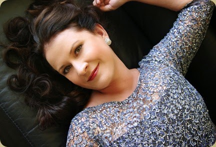 DYNAMIC DIVA FROM DOWN UNDER: Australian mezzo-soprano DEBORAH HUMBLE [Photo by Andrew Keshan, © by Deborah Humble]
