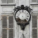 Rue Beaurepaire : horloge