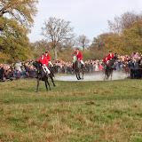 Hestene passerer Magasindammen