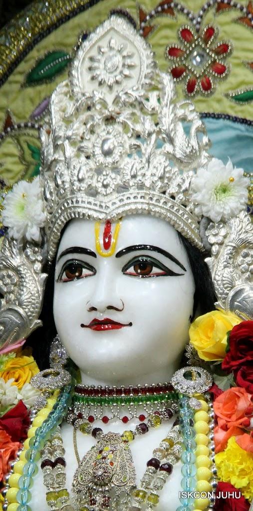 ISKCON Juhu Sringar Deity Darshan on 3rd Aug 2016 (23)
