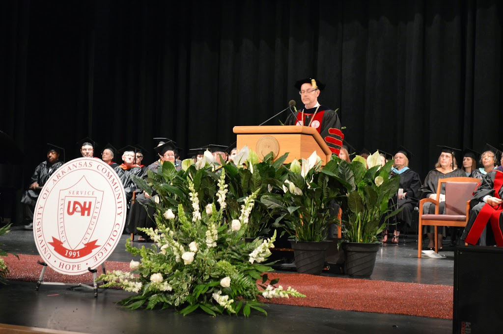 UA Hope-Texarkana Graduation 2014 - DSC_5009.JPG