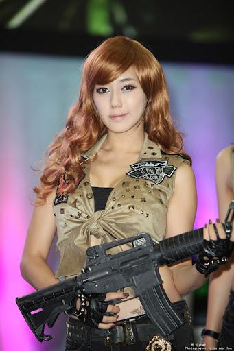 Nữ chiến binh gợi cảm của Metro Conflict: Presto 6