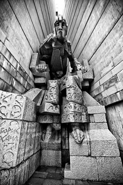 monument-shumen6