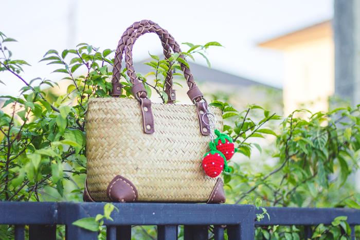 Light straw summer accessories for retro fashion | Lavender & Twill