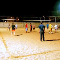 Esporte na quadra de areia